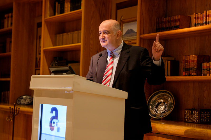 Roy Campos, Presidente de Consulta Mitofsky