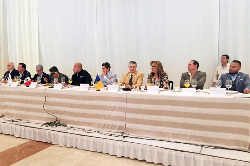 Dialogan empresarios y candidatos en Jalisco